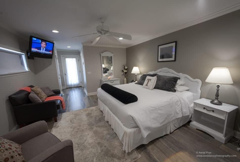 Room Angle 8590 (1 of 1)